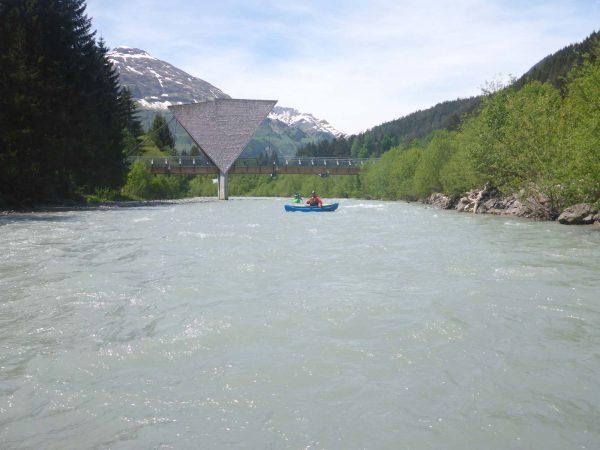 Paddeln in Tirol - Kanufahrer am Lech